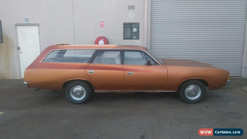 Chrysler Valiant VJ wagon 245 Mopar