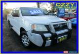 Classic 2005 Toyota Hilux GGN15R SR White Manual 5sp M Dual Cab Pick-up for Sale