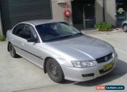 HOLDEN COMMODORE VZ SEDAN 11/2004 AUTO AIR AND STEER WITH 16/05/2017 REGO CHEAP for Sale