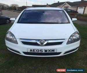 Classic 2005 VAUXHALL ZAFIRA DESIGN AUTO WHITE SELLING AS SPARES OR REPAIR HAS FULL MOT for Sale