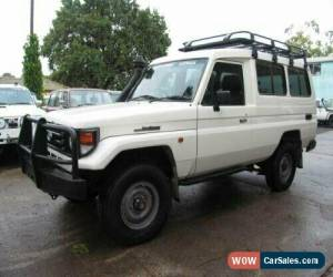 Classic 2005 Toyota Landcruiser HZJ78R (4x4) 11 Seat White Manual 5sp M TroopCarrier for Sale